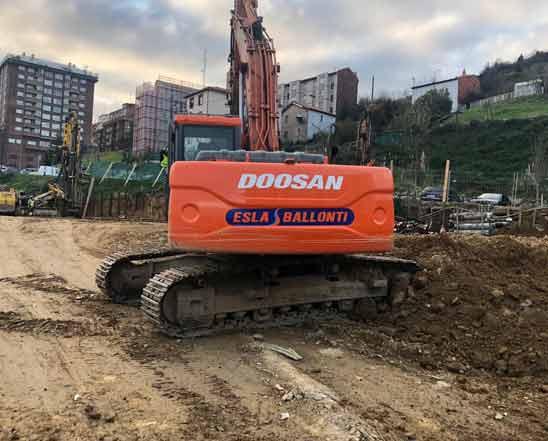 Excavación para la construcción de 243 viviendas en Zorrozaure (Bilbao)